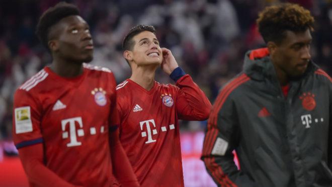 James Rodríguez sonríe luego de un partido con el Bayern de Múnich