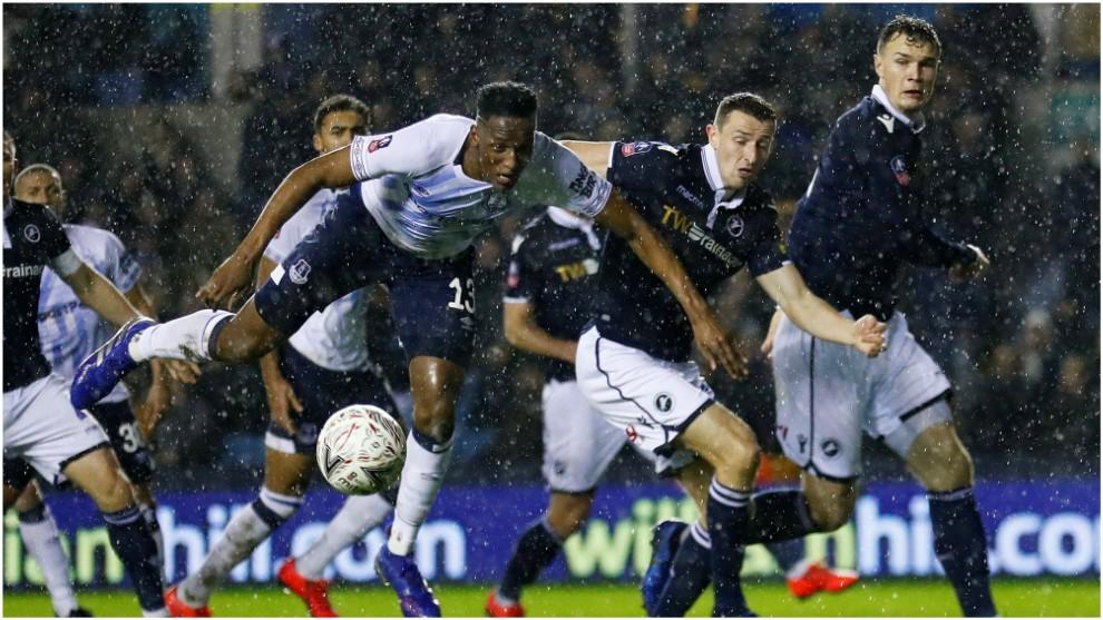 Yerry Mina, en su último partido con el Everton ante el Millwall en...