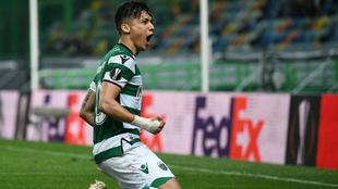 Fredy Montero celebra un gol con la camiseta del Sporting de Portugal.