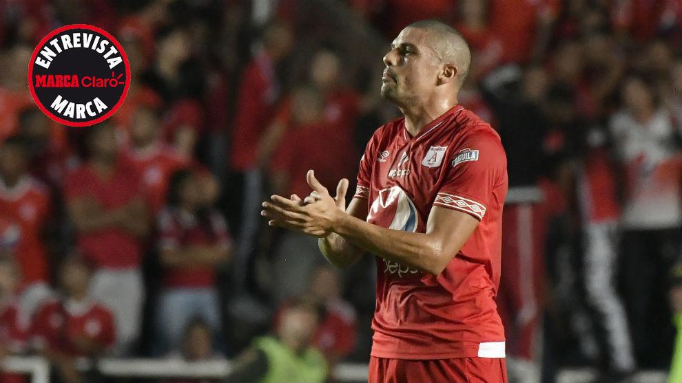 El central debutó en Atlanta y en Ecuador hizo con Deportivo Cuenca.