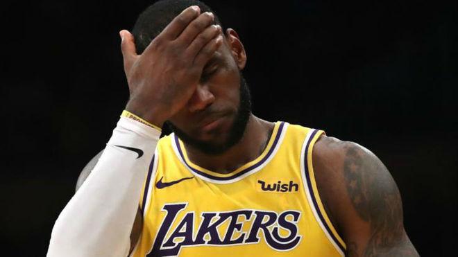 LeBron James dedica emotivas palabras a Michael Jordan