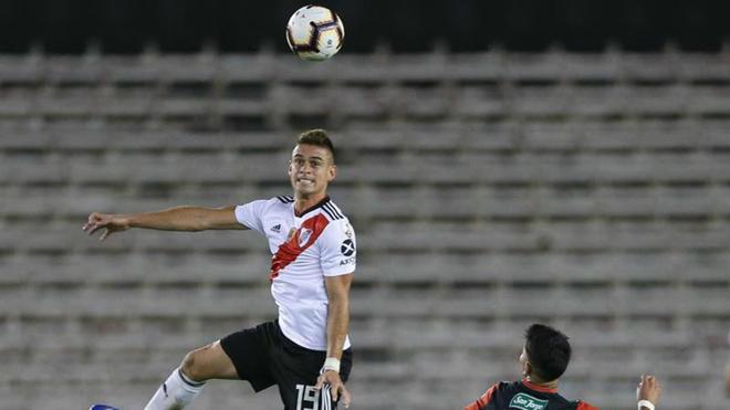 El delantero colombiano Santos Borré durante el encuentro
