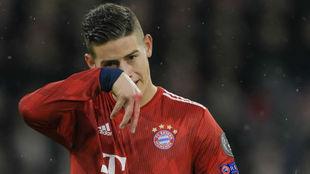 James, durante el partido con el Liverpool