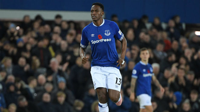 Yerry Mina durante un partido con el Everton en la presente temporada.
