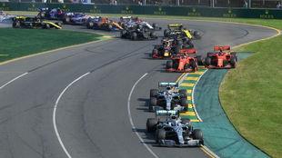 Bottas, delante de Hamilton y detrás el cerrojazo de Vettel a Leclerc...