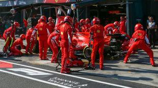 Vettel, durante el 'pit stop' del pasado Gran Premio de...
