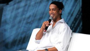 Ronaldinho durante una entrevista.