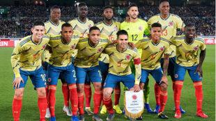 Este es el once inicial de Colombia ante Japón en el debut de Queiroz