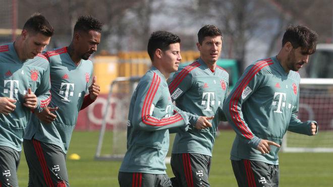 James sufre molestia y preocupa en el Bayern Múnich