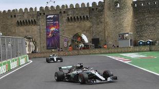 Aspecto de una carrera en el circuito de Bakú.