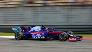 Daniil Kvyat, en China con su Toro Rosso / AFP
