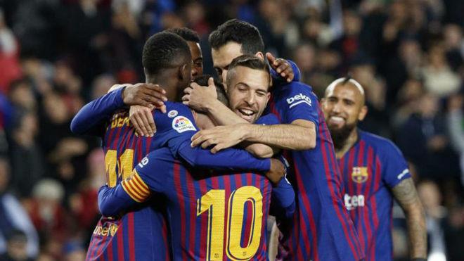La plantilla del Barça celebra un gol / David Ramírez