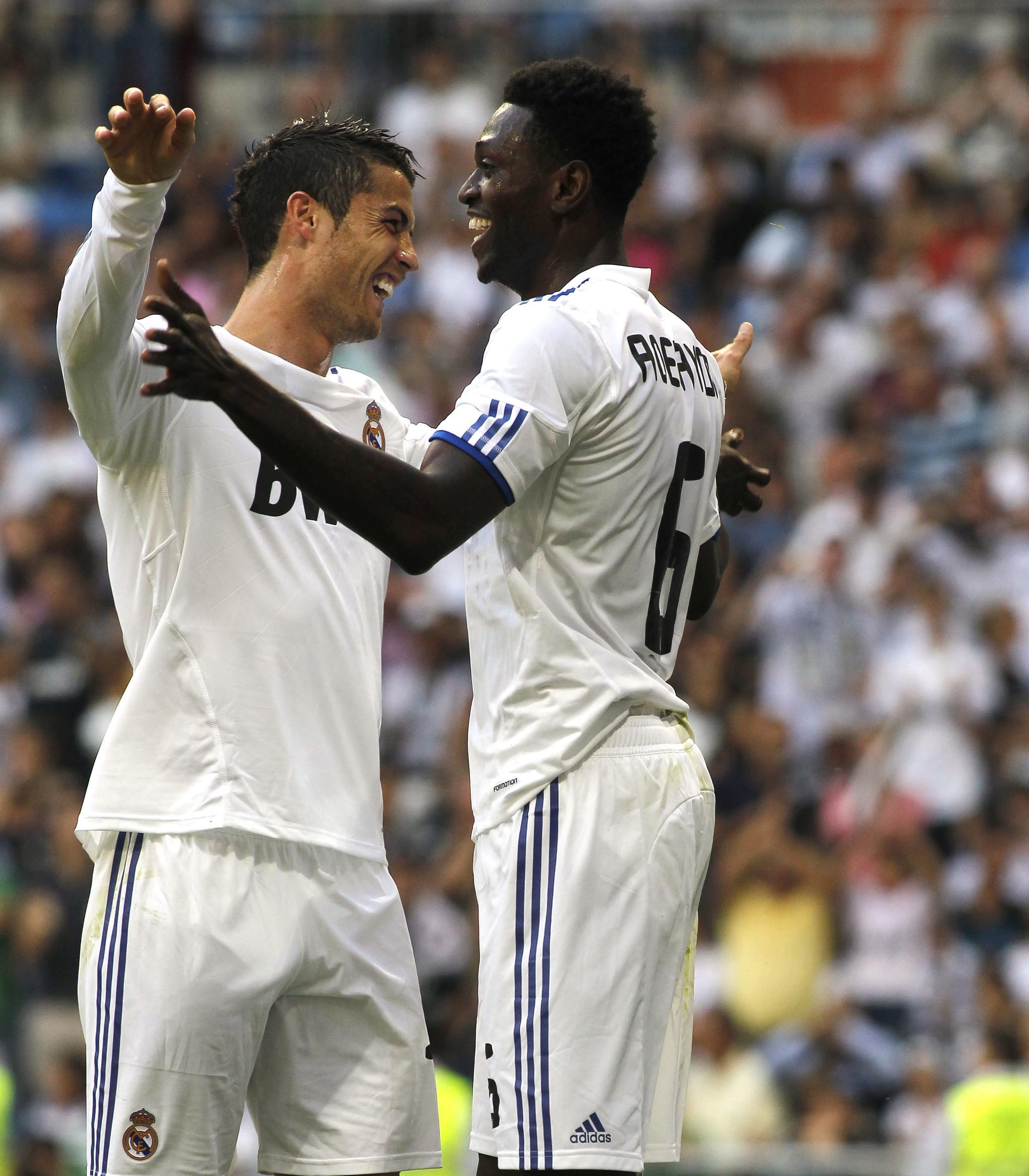 Adebayor desvela una pelea entre Mourinho y Cristiano en el Real Madrid