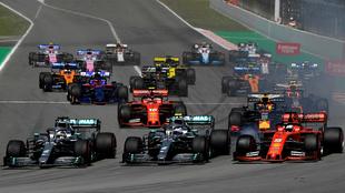 Hamilton, Bottas y Vettel, en el arranque de la carrera / Agencias