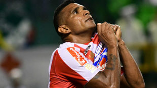 Luis Narváez festeja el primer gol del partido.