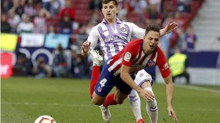 Santiago Arias, ante el Valladolid el último día que fue titular con...