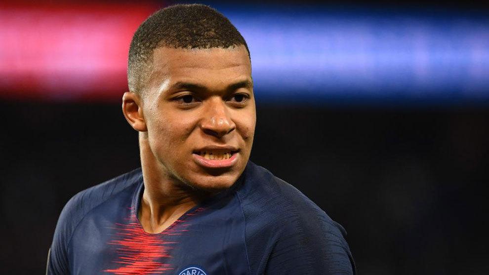 ¿Kylian Mbappé abre la puerta de salida en el París Saint Germain?