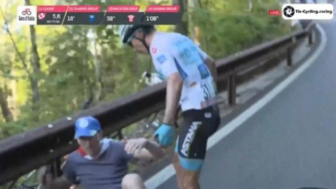 El colombiano Superman López la pasó mal en los últimos kilómetros...