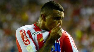 Luis Narváez celebra el primer gol del partido.