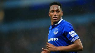 Yerry Mina durante un compromiso con el Everton.