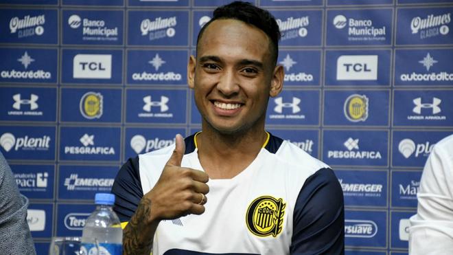 Jarlan Barrera durante su presentación como nuevo jugador de Rosario...