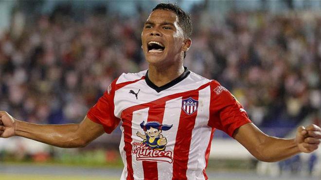Bacca celebra un gol con Junior