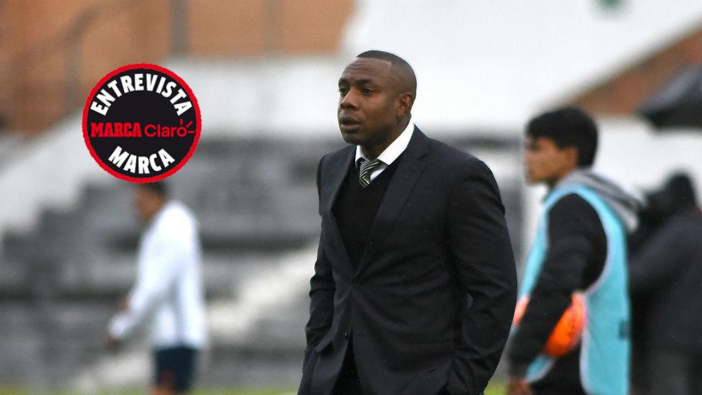 Jugó dos temporadas en Nápoles y ahora es asistente técnico de...