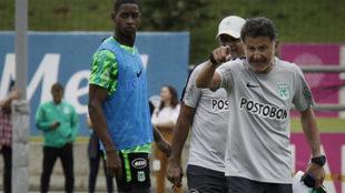 Osorio en plena sesión de entrenamiento con Nacional en Guarne /...