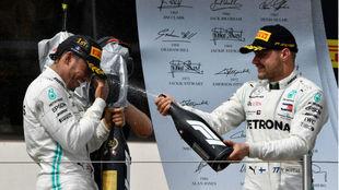 Hamilton y Bottas celebran en Paul Ricard / AFP