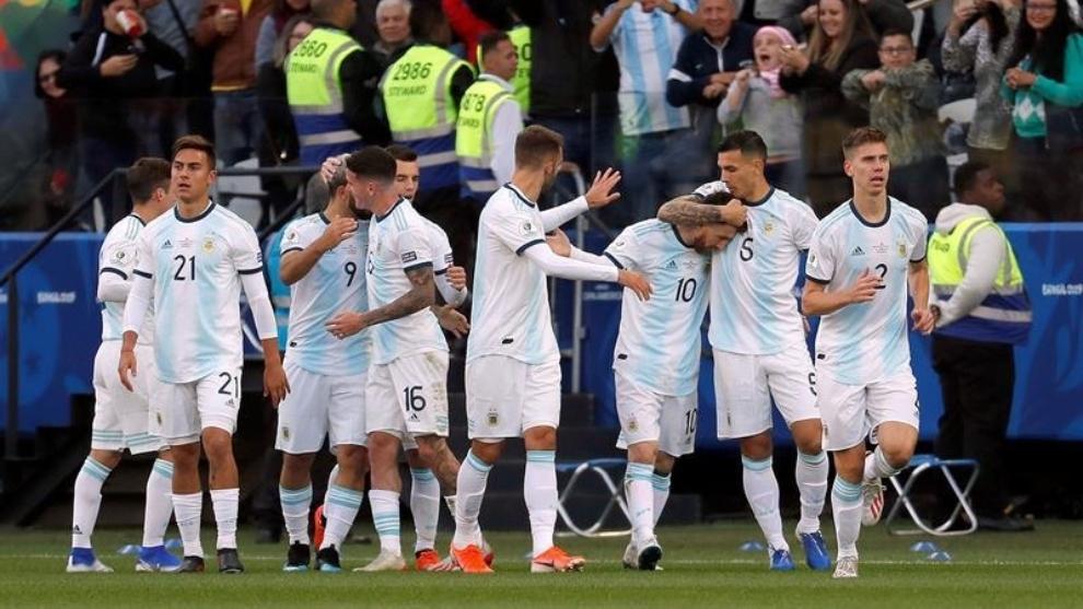 Argentina venció a Chile 2-1 con goles de Agüero y Dybala.