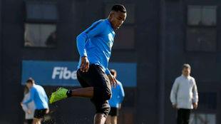 El delantero tiene el aval de Gustavo Alfaro, lo considera un jugador...