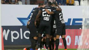 Nacional celebra después de anotar un gol al Once Caldas