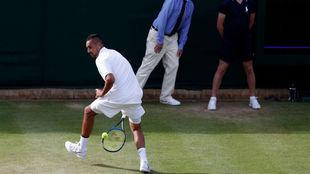 Kyrgios ejecuta un golpe espectacular en Wimbledon