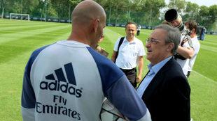 Zidane y Florentino, en una imagen de archivo