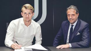 Matthijs De Ligt durante la presentación con la Juventus.