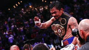 Manny Pacquiao celebrando el título de campeón del mundo / EFE