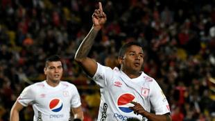 Yesus Cabrera de América de Cali, después de anotar gol de su...