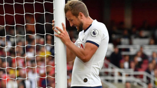 Kane se lamenta de una ocasión fallada.