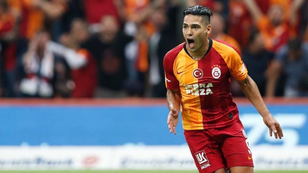 Falcao García celebra su primer gol con el Galatasaray