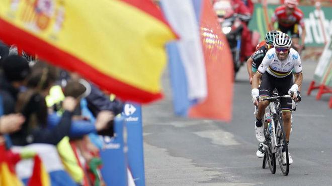 Valverde entrando a meta de la etapa / Javier Lizón