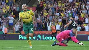 Pukki celebra su gol al City.