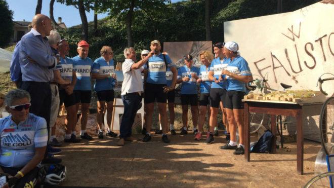 Admiradores de Coppi emularon el viaje en bicicleta del campeón desde Caserta a Castellania