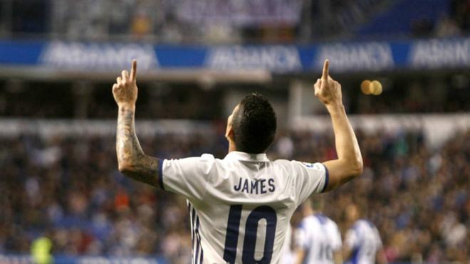 James mira al cielo tras anotarle al Deportivo La Coruña.