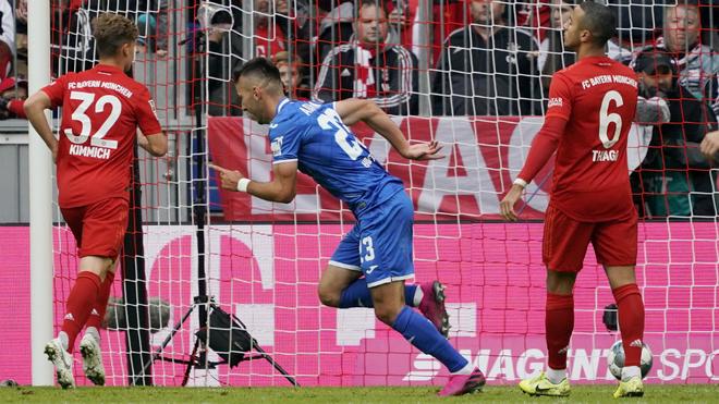 Adamyan celebra uno de sus dos goles al Bayern.