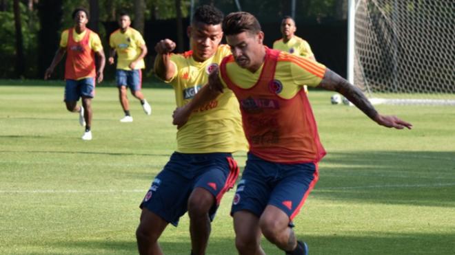 Wílmar y James durante una práctica con la Selección.