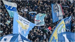 Aficionados de la Lazio en el partido de Europa League contra el...