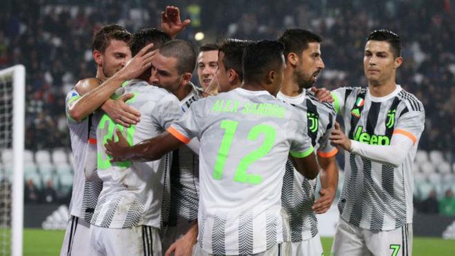 Image result for Juventus 2 - 1 Genoa