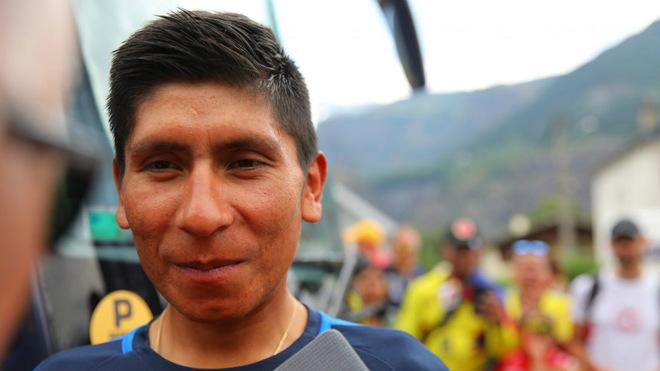 Nairo Quintana atendiendo a los medios de comunicación