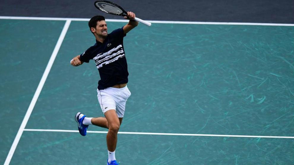 Roger Federer pierde en su presentación en las finales de la ATP