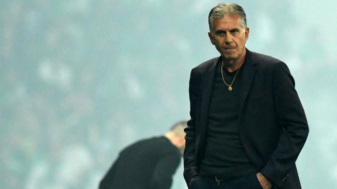 Carlos Queiroz durante el juego ante Argelia.
